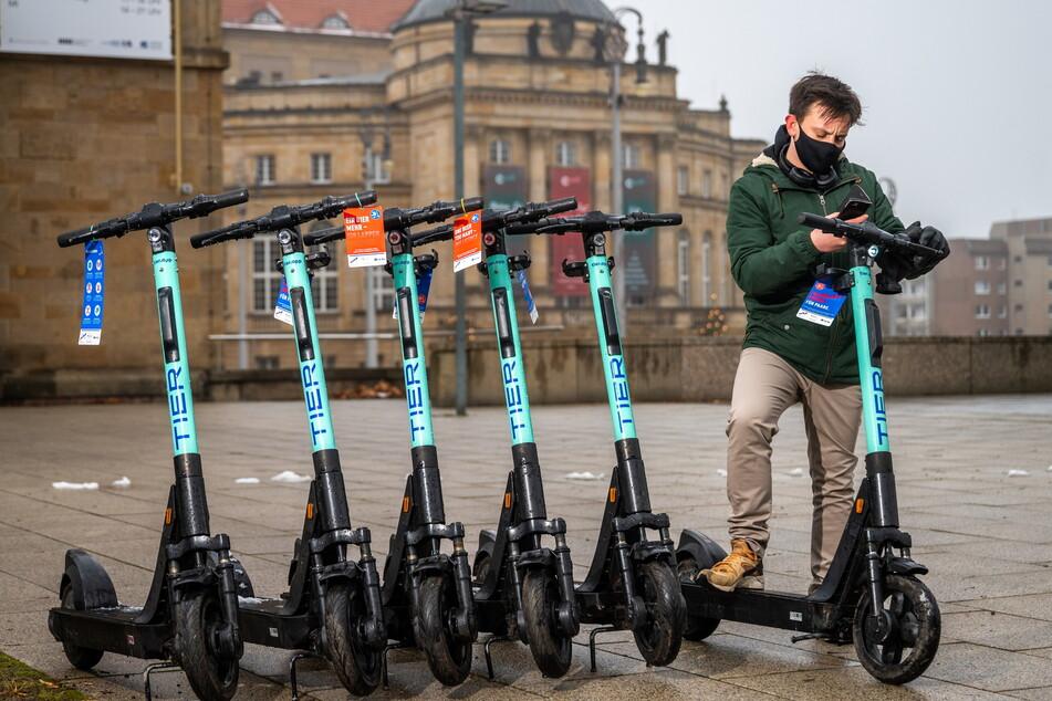 Seit dem Jahreswechsel können E-Scooter in Chemnitz ausgeliehen werden.