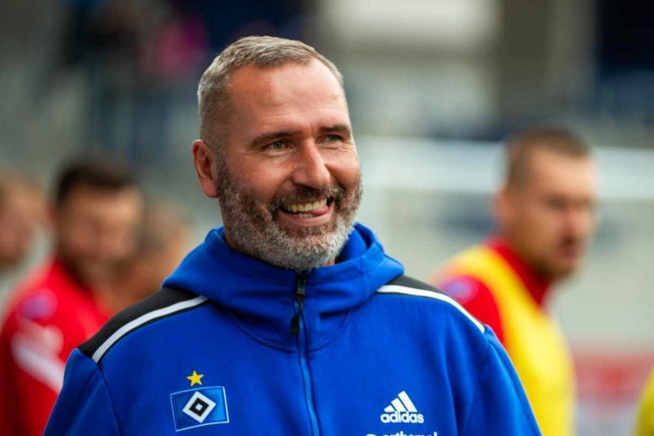 HSV-Trainer Tim Walter (45) war voll des Lobes für den Keeper und seine Vordermänner.