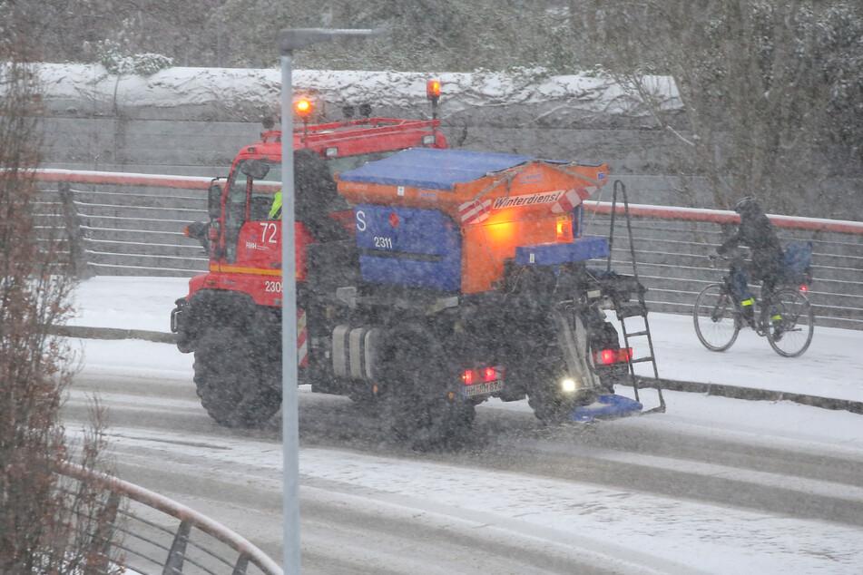 Der Winterdienst hatte alle Hände voll zu tun im Norden.