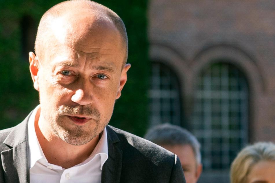 Dänemarks Gesundheitsminister Magnus Heunicke (45) blickt auf die kommenden Tage.