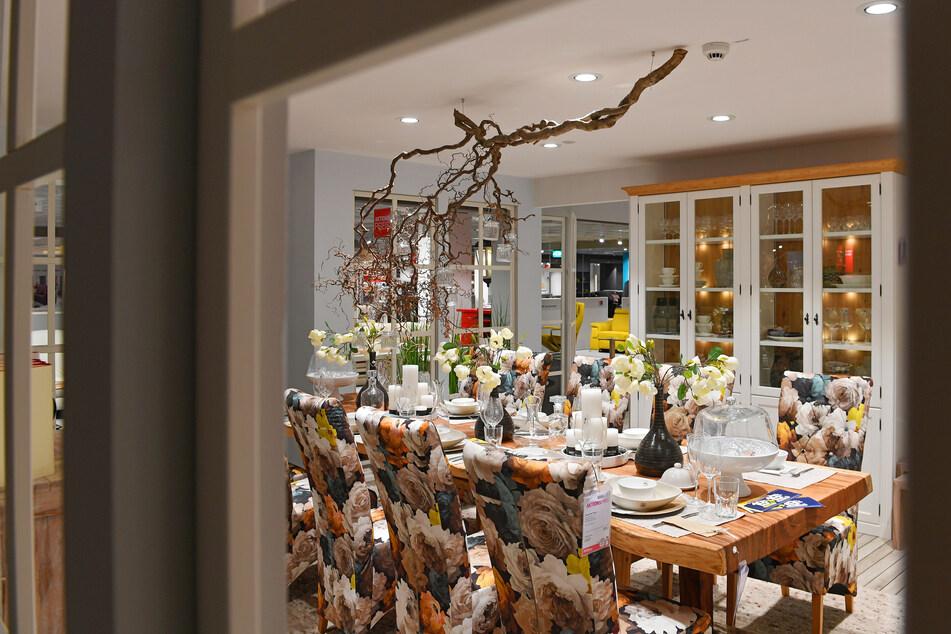 Großes Möbelhaus verkauft bis Samstag (17.4.) Küchen mega günstig