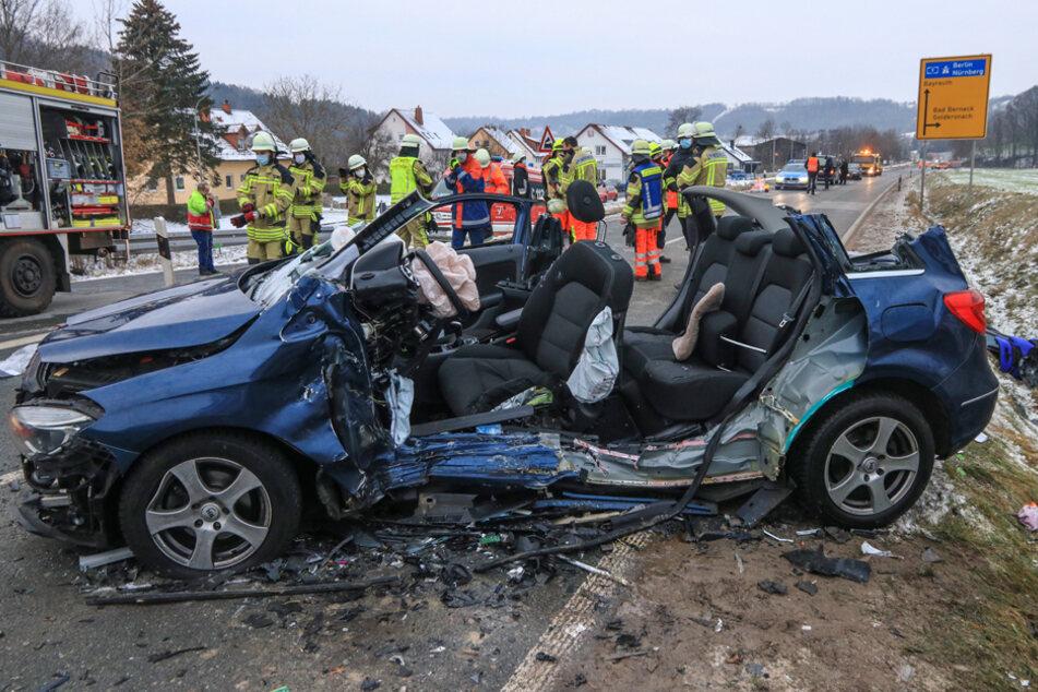 Bei dem Unfall wurde eine 70-Jährige getötet, drei weitere Personen verletzt.