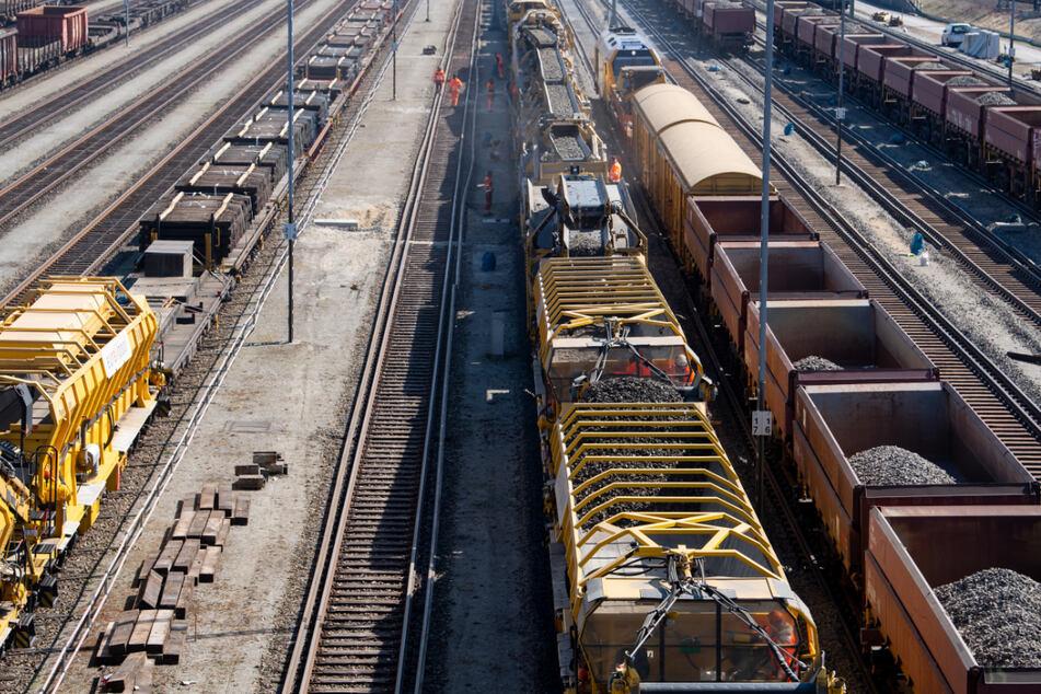 Menschen illegal mit Güterzug aus Italien eingereist: Polizei sucht vergeblich