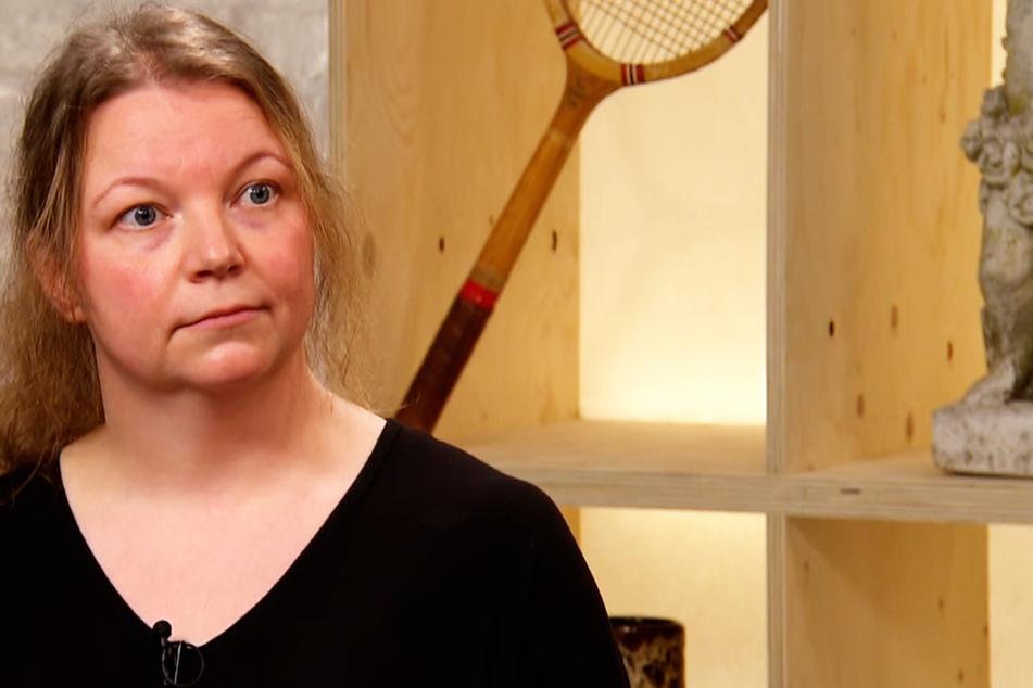 Anika Preuß (38) aus Bochum hörte gespannt zu und war hin und weg von ihrem historischen Anhänger.