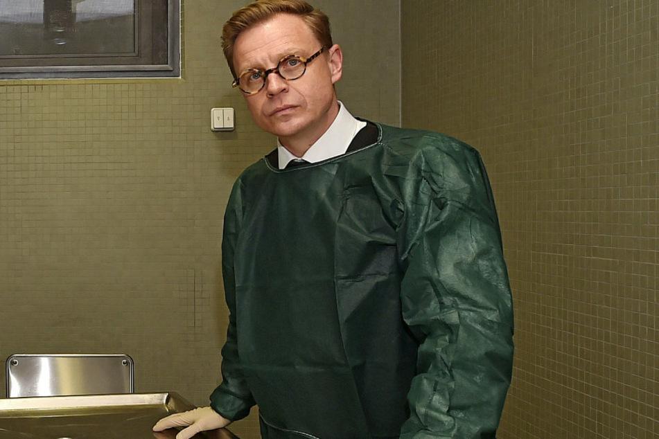 Bestatter Frank Oberüber (46) gibt einen Einblick in seinen Beruf.