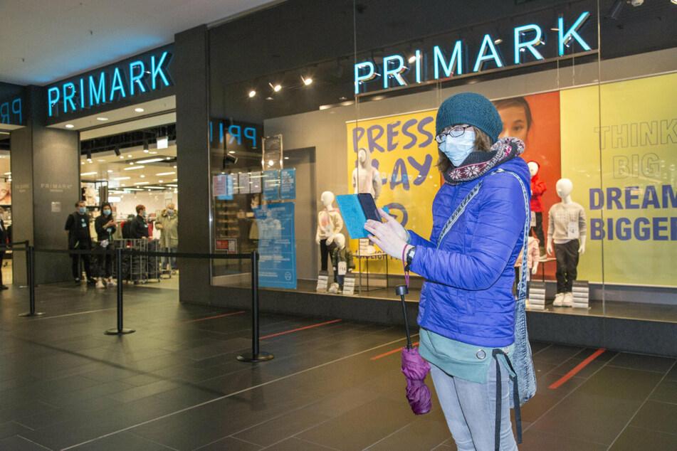 Maria Sandig (32) konnte noch spontan vor Ort einen Termin für Primark buchen.
