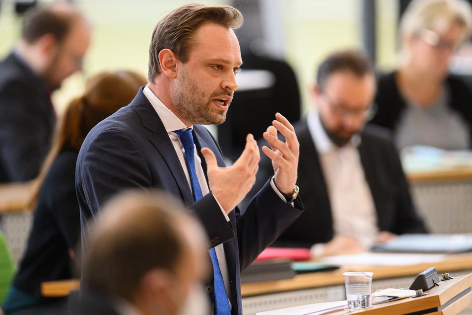 Alexander Dierks (33), CDU-Generalsekretär in Sachsen, rief am Donnerstag zu mehr Zusammenhalt in der Gesellschaft auf.