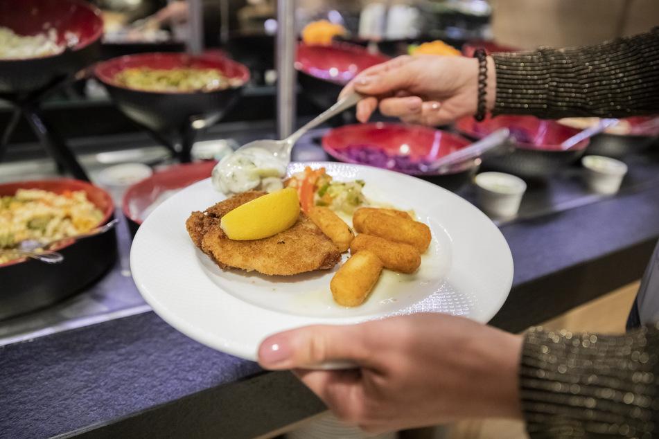 Essen selbst entnehmen: Vorerst ist das in Deutschland nicht erlaubt. (Symbolbild)