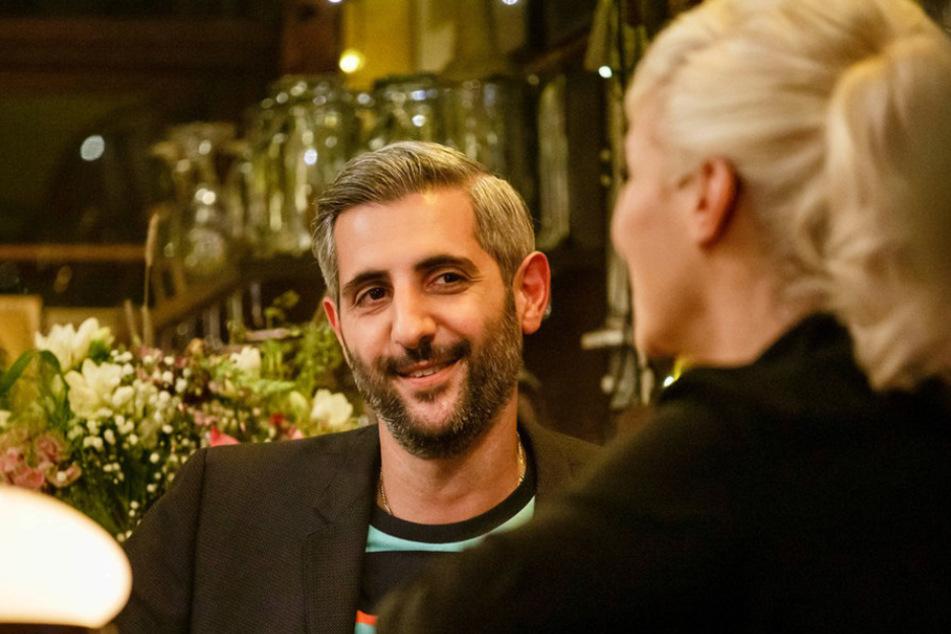 Journalist Michel Abdollahi spricht mit Ina Müller über seine ersten Jahre in Deutschland.