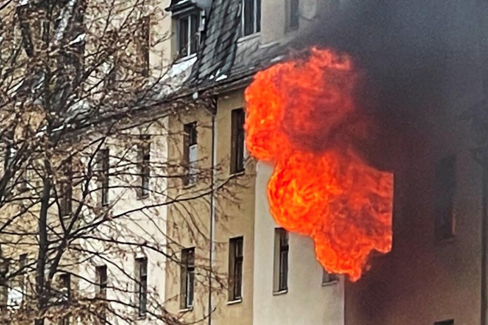 Vogtland: Frau stirbt bei dramatischem Wohnungsbrand