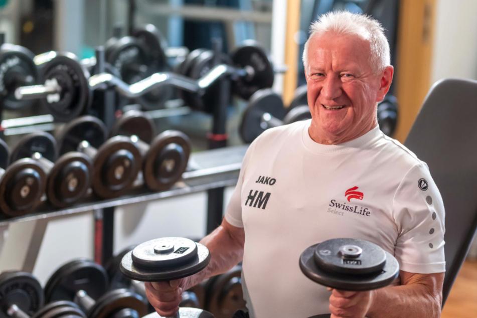 Hans Malchau (69) stählt seine Muskeln dreimal pro Woche im Fitness-Studio.