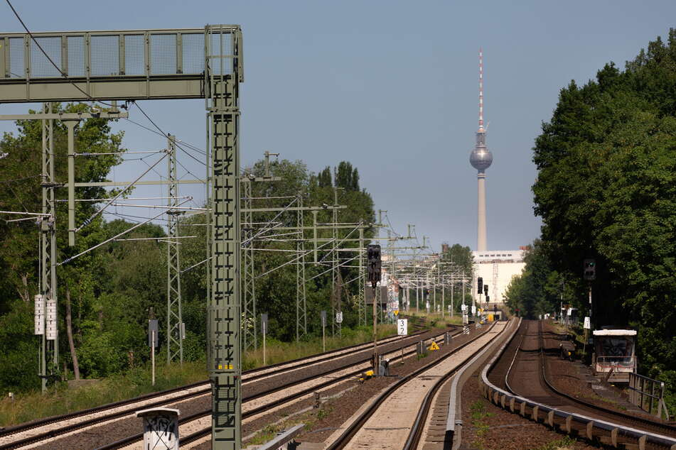 Nächster Halt: Berlin. Ab Sommer 2022 soll das von Chemnitz aus endlich wieder möglich sein.