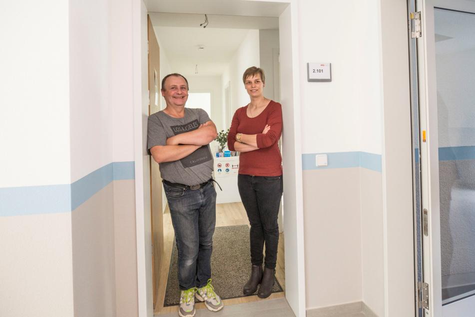 """Jenny Hieronymus (34) und Rolf Stiehler (46) freuen sich auf ihre """"WiD-Wohnung""""."""