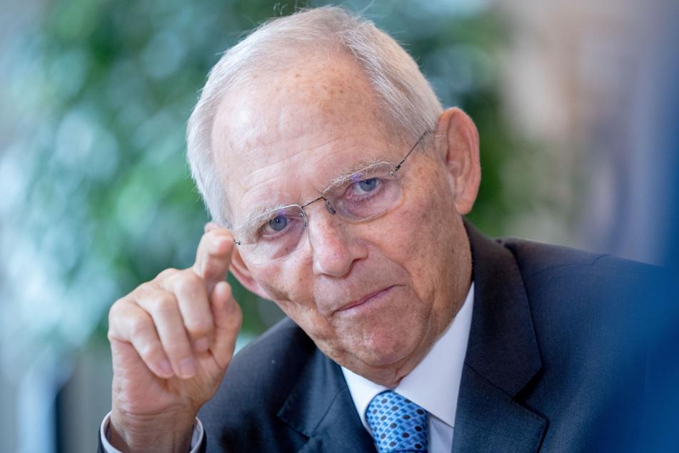 Bundestagspräsident Wolfgang Schäuble (78, CDU) sieht ein hoffnungsvolles Zeichen der Aussöhnung nach dem Zweiten Weltkrieg.