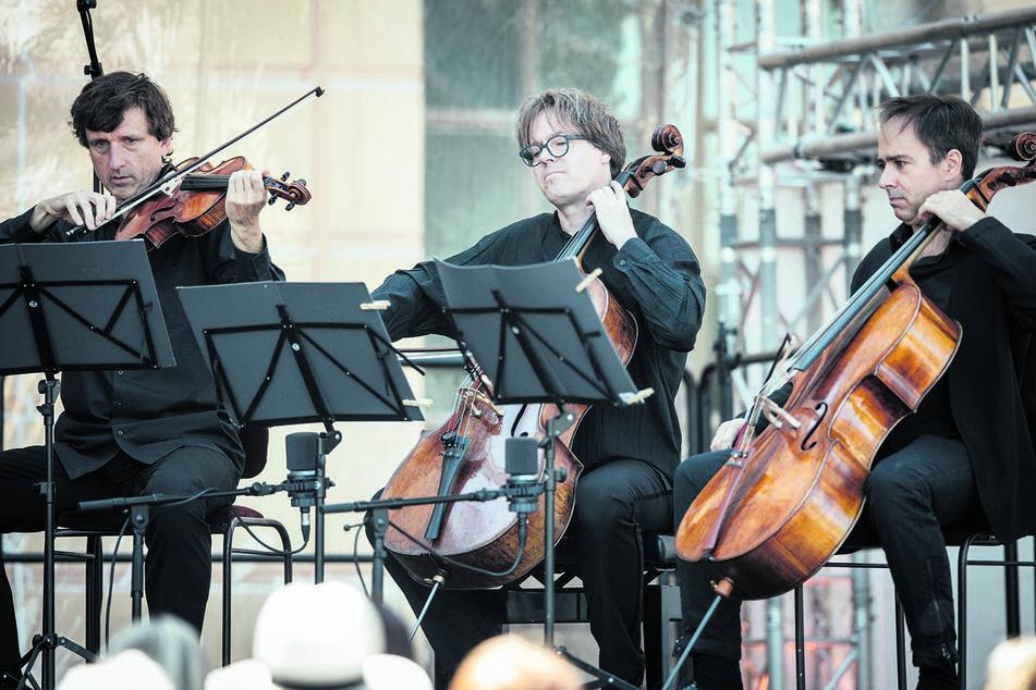 Jan Vogler (57, Mitte) musiziert beim Festival stets mit.