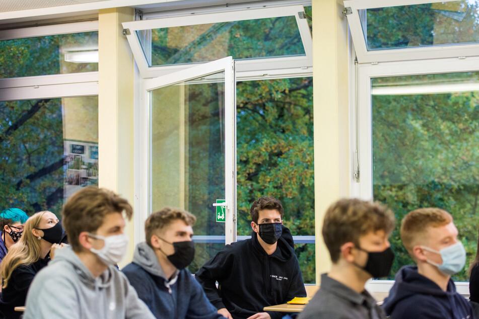 NRW: Schulstart nach den Herbstferien mit erneuter Maskenpflicht