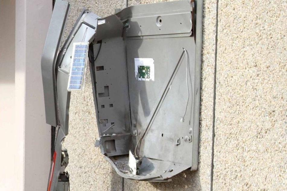 Zigarettenautomaten gesprengt und ausgeräumt