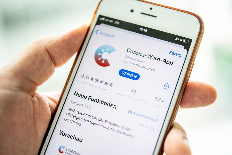Die Corona-Warn-Apps unterschiedlicher Länder sollen künftig miteinander kommunizieren. (Archivbild)