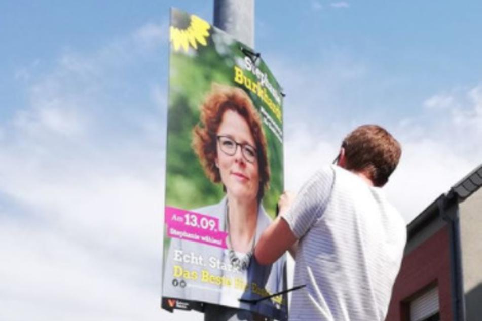 Wahlplakate von Männern in Warnweste abgenommen: Grüne wittern politische Aktion