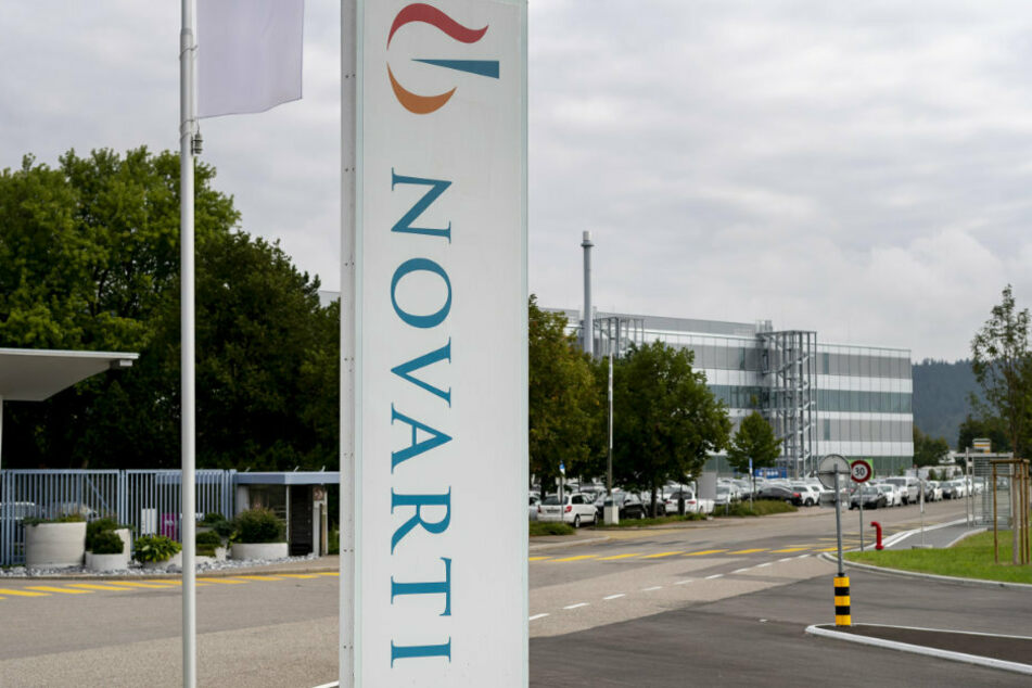 Das Novartis-Logo vor den Produktionswerken des Pharmakonzerns in der Schweiz.