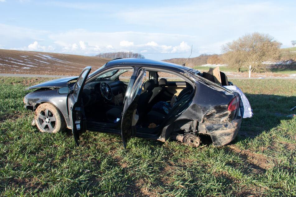 Beifahrerin wird aus Fenster von Seat geschleudert - tot!