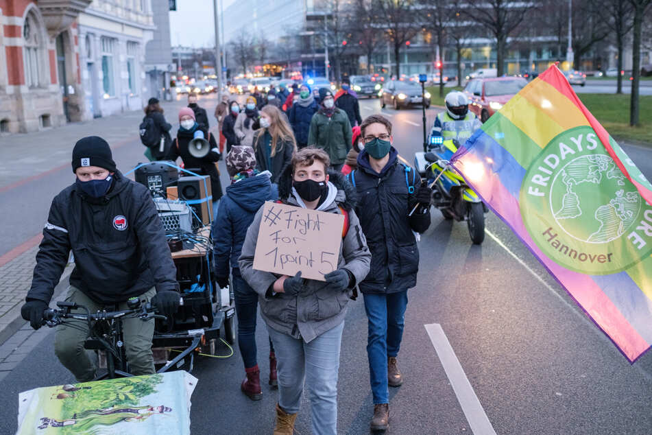 """unite behind the science"": Fridays for Future sieht Parallelen bei Corona- und Klimakrise"
