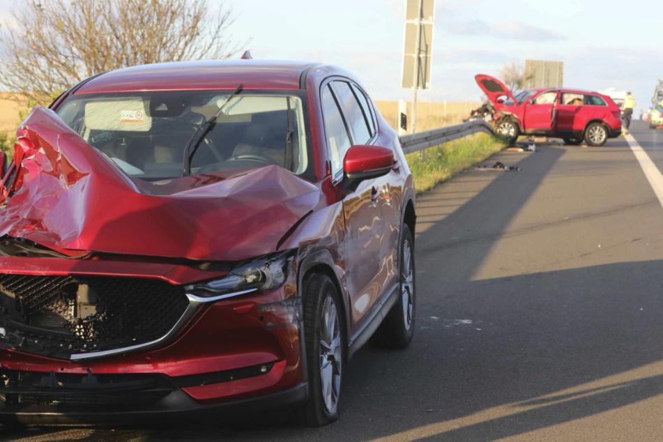 Die beiden Fahrzeuge erlitten vermutlich beide Totalschaden.