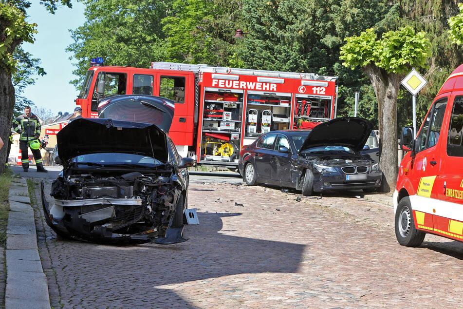Auf der Kreuzung August Bebel Straße - Obere Straße in Lichtenstein krachten ein BMW und ein Renault ineinander.