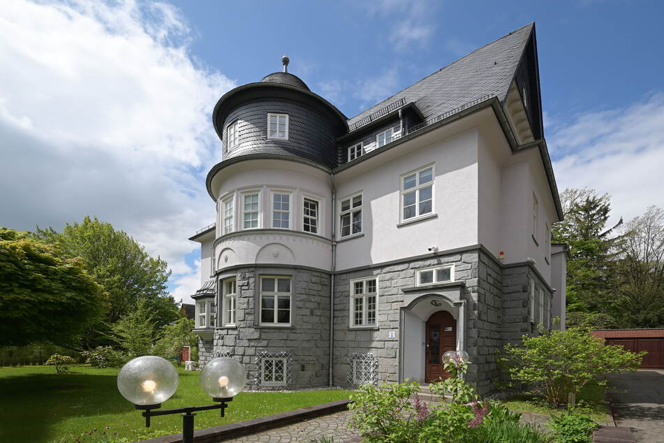 Luxusuhrenhändler in Chemnitz sucht Mitarbeiter für diese beiden Aufgaben