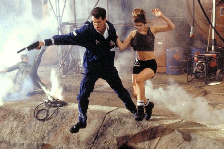 """Bond, James Bond: In """"Die Welt ist nicht genug"""" muss Pierce Brosnan als 007 mal wieder einiges durchstehen."""
