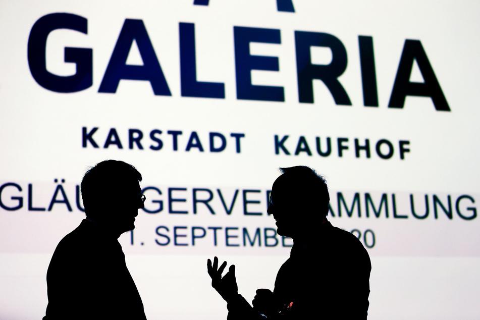 Die Gläubiger des Warenhauskonzerns Galeria Kaufhof Karstadt verzichten auf Forderungen von mehr als zwei Milliarden Euro.