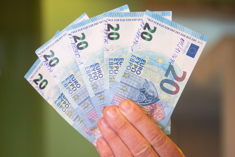 Der 20-Euro-Schein in deiner Hand fühlt sich bald komisch an! Daran liegt's