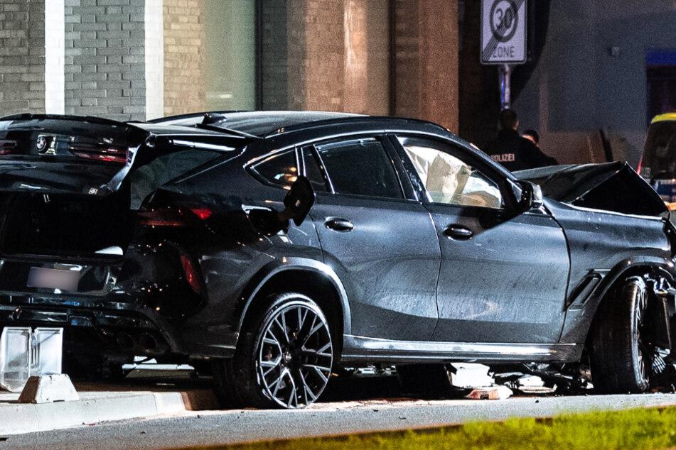 Bei einem Unfall in Frankfurt-Ostend wurde zwei Menschen tödlich verletzt.
