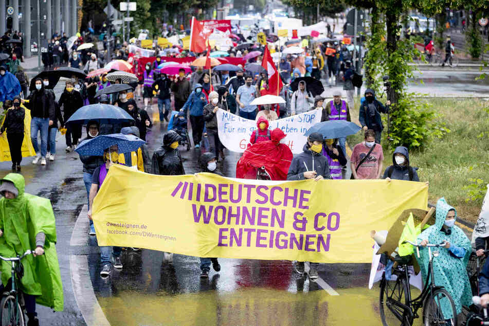"""""""Mieter sind keine Zitronen"""": Demonstration gegen Ausquetschung durch Miet-Haie"""