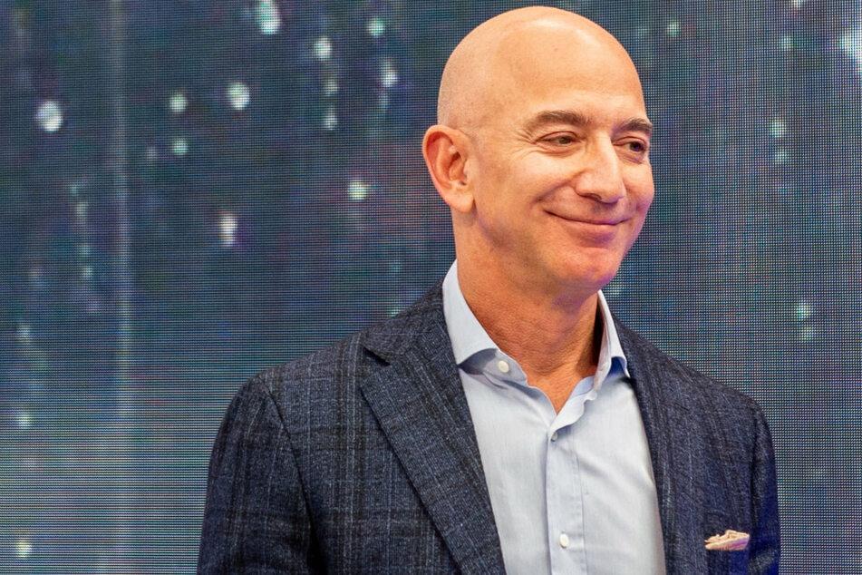 Jeff Bezos startet ins All: Seine Rückkehr zur Erde soll verweigert werden