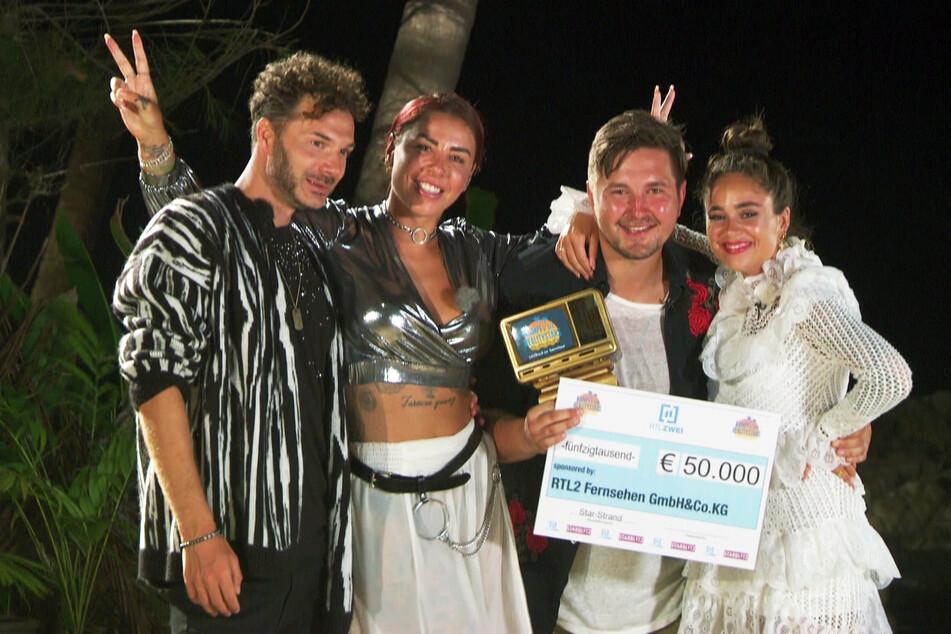 Gruppenbild (v.l.n.r.): Sam, Kate, Gewinner Kevin und Melissa.