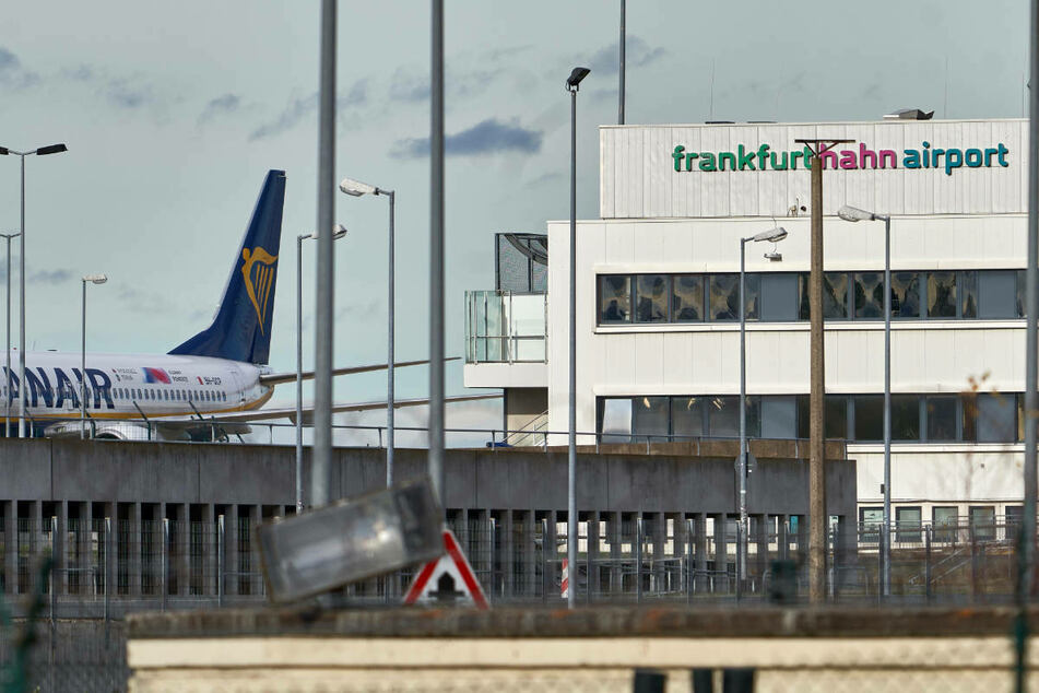 Haupteigentümer pleite: Belegschaft des Flughafens Hahn bangt um Jobs