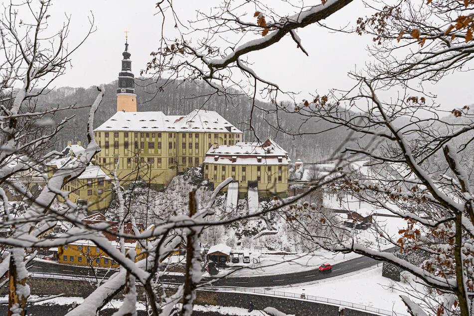 Schloss Weesenstein hat ab dem 12. April (kommender Montag) wieder geöffnet. Stand jetzt. Der schöne Park ist bereits jetzt zugänglich.