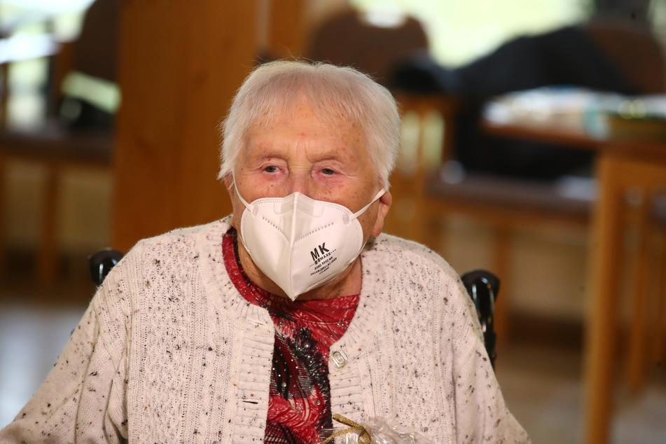 """""""Ich bin als Kind schon mit Impfungen aufgewachsen"""", sagte die Seniorin."""