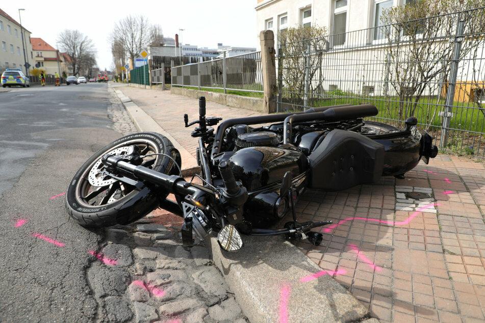 Die Harley-Davidson nach dem Unfall.