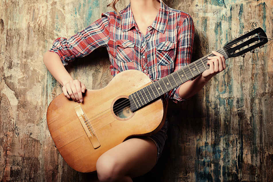 In der Pandemie-Zeit ist die Nachfrage nach Gitarren deutlich angestiegen.