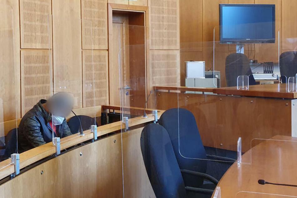 Der Angeklagte (37) wurde vom Krefelder Landgericht zu sieben Jahren Haft verurteilt.