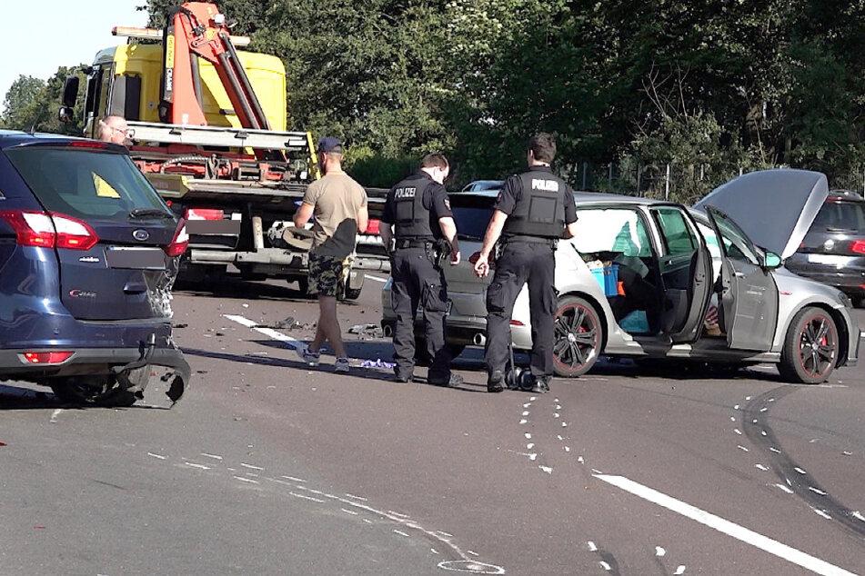 Die Fahrer konnten sich noch aus ihren Autos befreien.