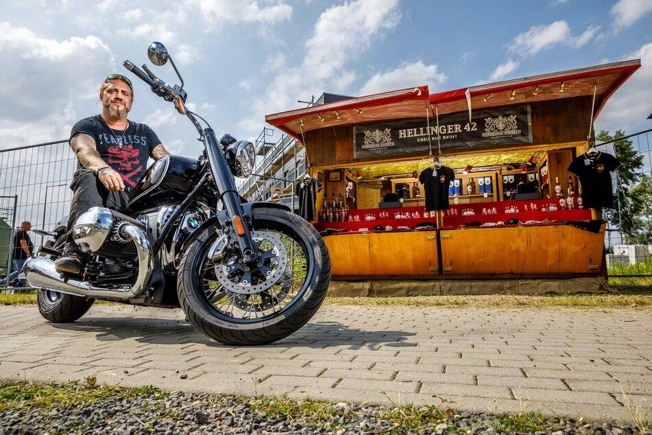 Martin Kesici (48) will am Wochenende mit BMW vor dem Verkaufsstand vorfahren und für seine Fans da sein.