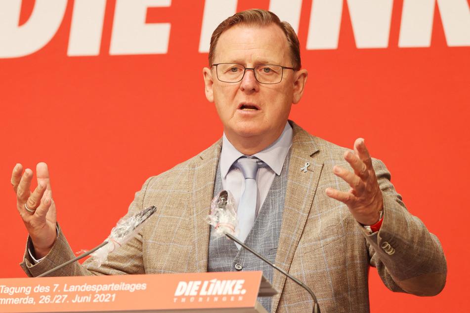 Bodo Ramelow (65, Die Linke), Ministerpräsident von Thüringen, spricht auf dem Landesparteitag der Thüringer Linken. Die Delegierten diskutieren auf dem Parteitag über das Wahlprogramm für die nächste Landtagswahl.
