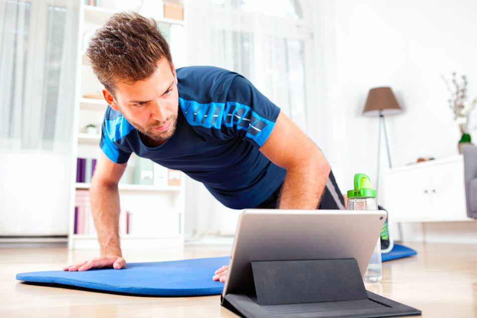 Online-Fitnessstudio: Hier kannst Du jetzt kostenlos trainieren