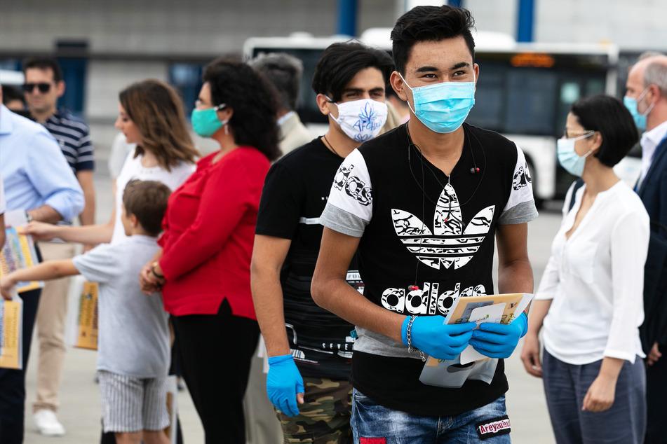 Facebook-Post sorgt für Aufregung: Holt Deutschland Corona-infizierte Flüchtlinge ins Land?