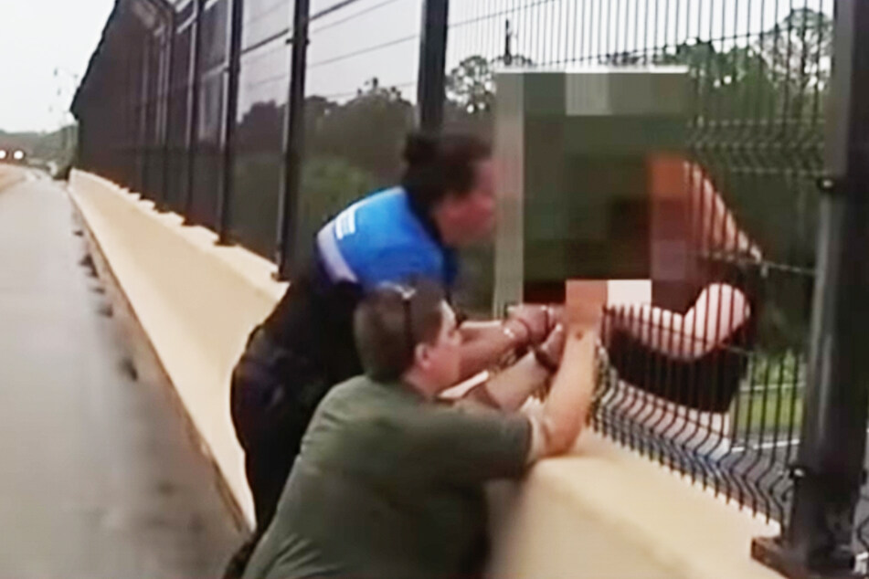 First responders save Florida teen trying to jump off bridge at the very last moment