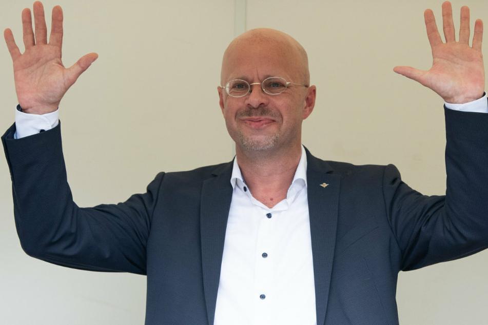 Andreas Kalbitz (47), Ex-Vorsitzender der AfD-Fraktion im Landtag von Brandenburg, sieht sich Ermittlungen ausgesetzt.