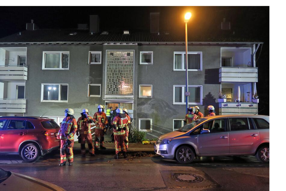 In einem Mehrfamilienhaus in Velbert ist in der Nacht ein Feuer ausgebrochen.